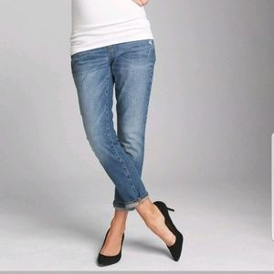 Maternity Gap Girlfriend Distressed Jeans